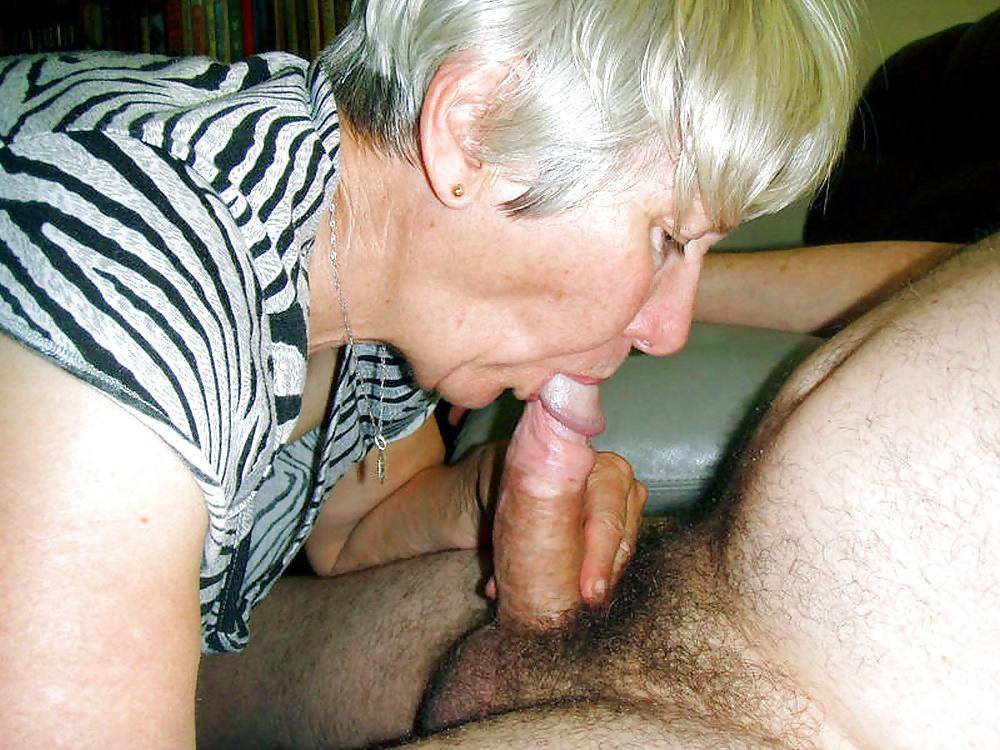Порно Пожилая Сосет Хуй