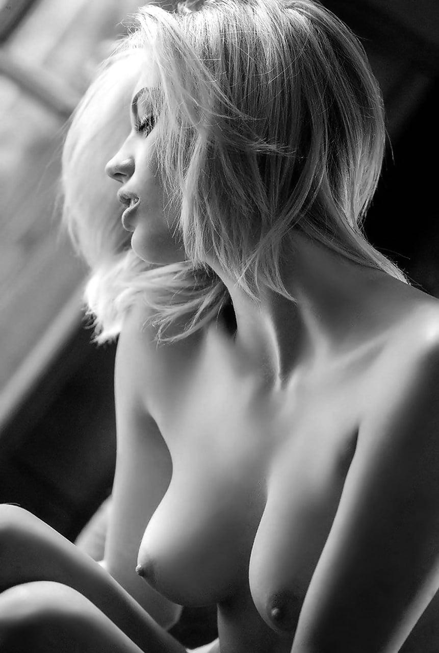 Обнаженные Подростки Блондинки С Красивой Грудью