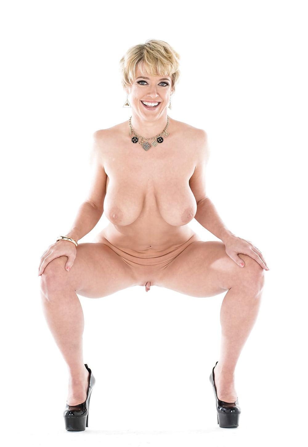 Dee Williams Nude