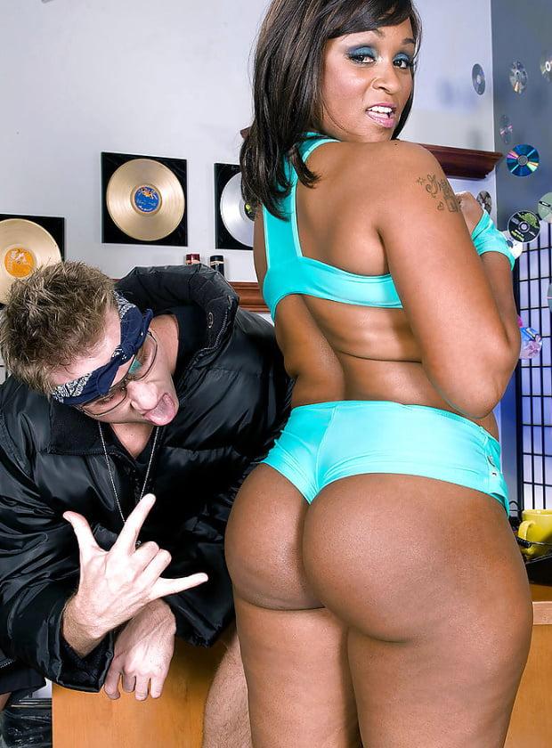 Чёрная давалка Kara Kane порно фото бесплатно