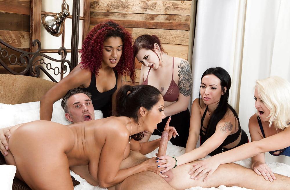 Бесплатное Порно Три Девушки