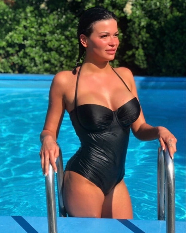 Nackt btn mandy Mandy Mitchell