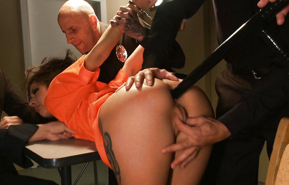 Порно Видео Насилие В Тюрьме