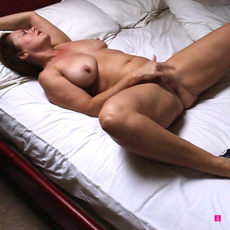 Голые Тетки В Оргазме
