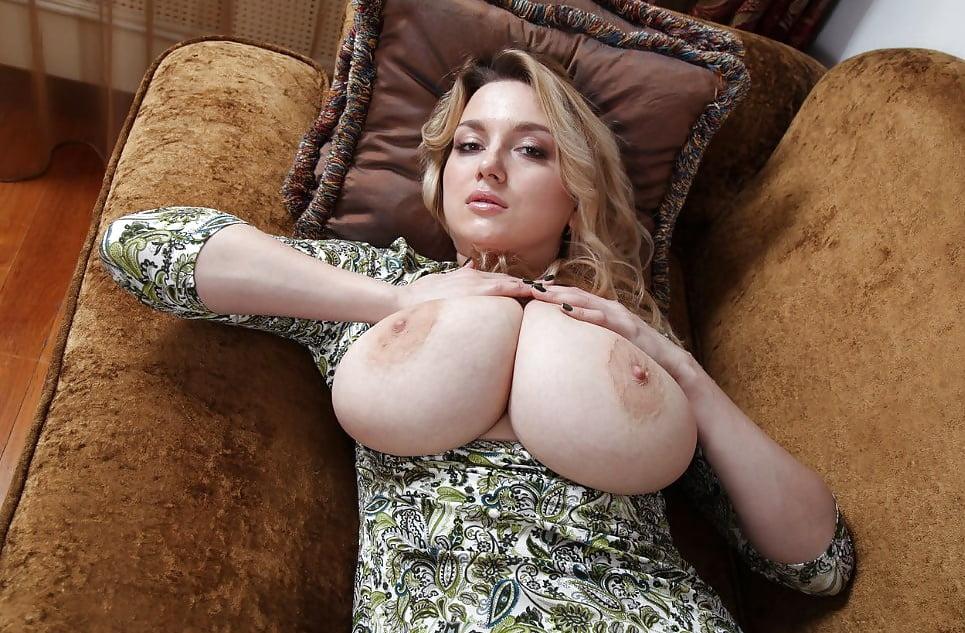 Огромные сиськи гигантские титьки фото