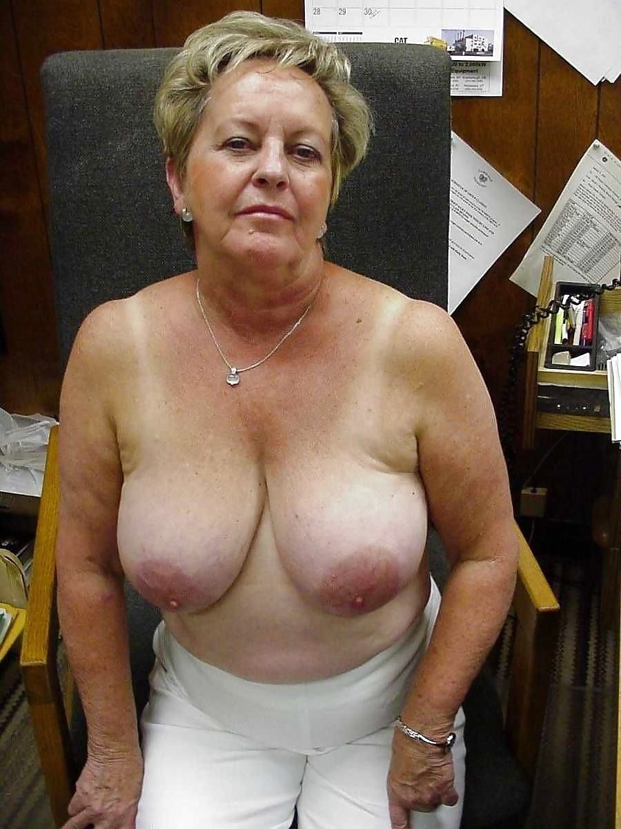 Grannies shows tits, milf nude shower