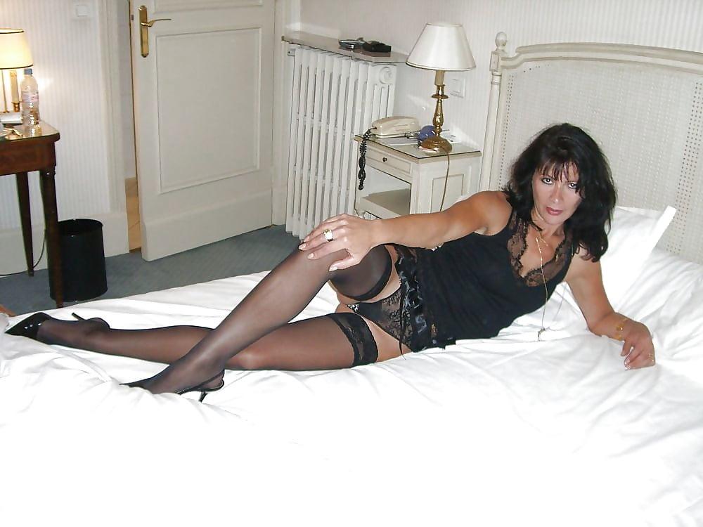 Sexy milf high heels-7298