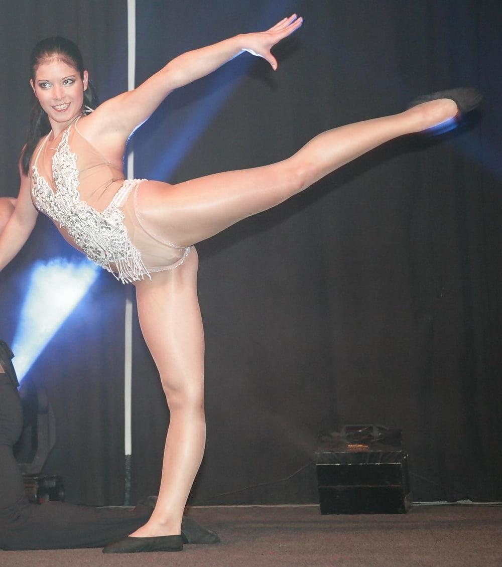 пикантные фото танцовщиц должны
