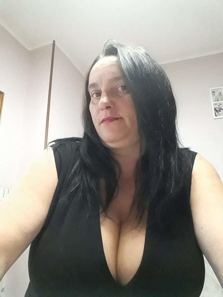 Clothed Mature - Big Boobs 23 - 20 Pics