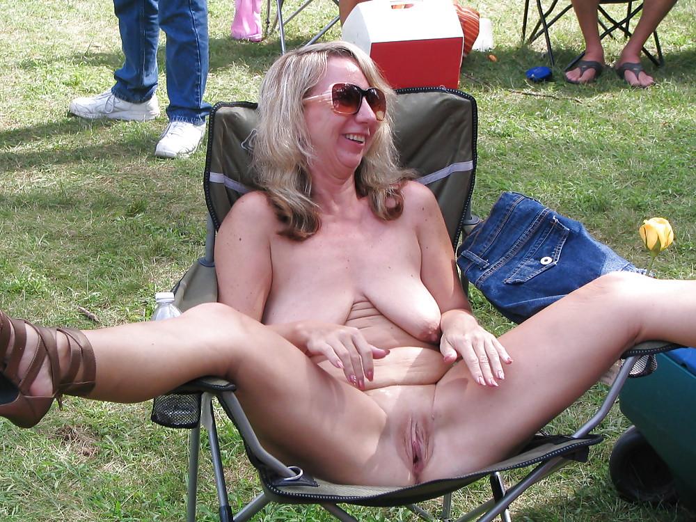 Nude older women in public — pic 10