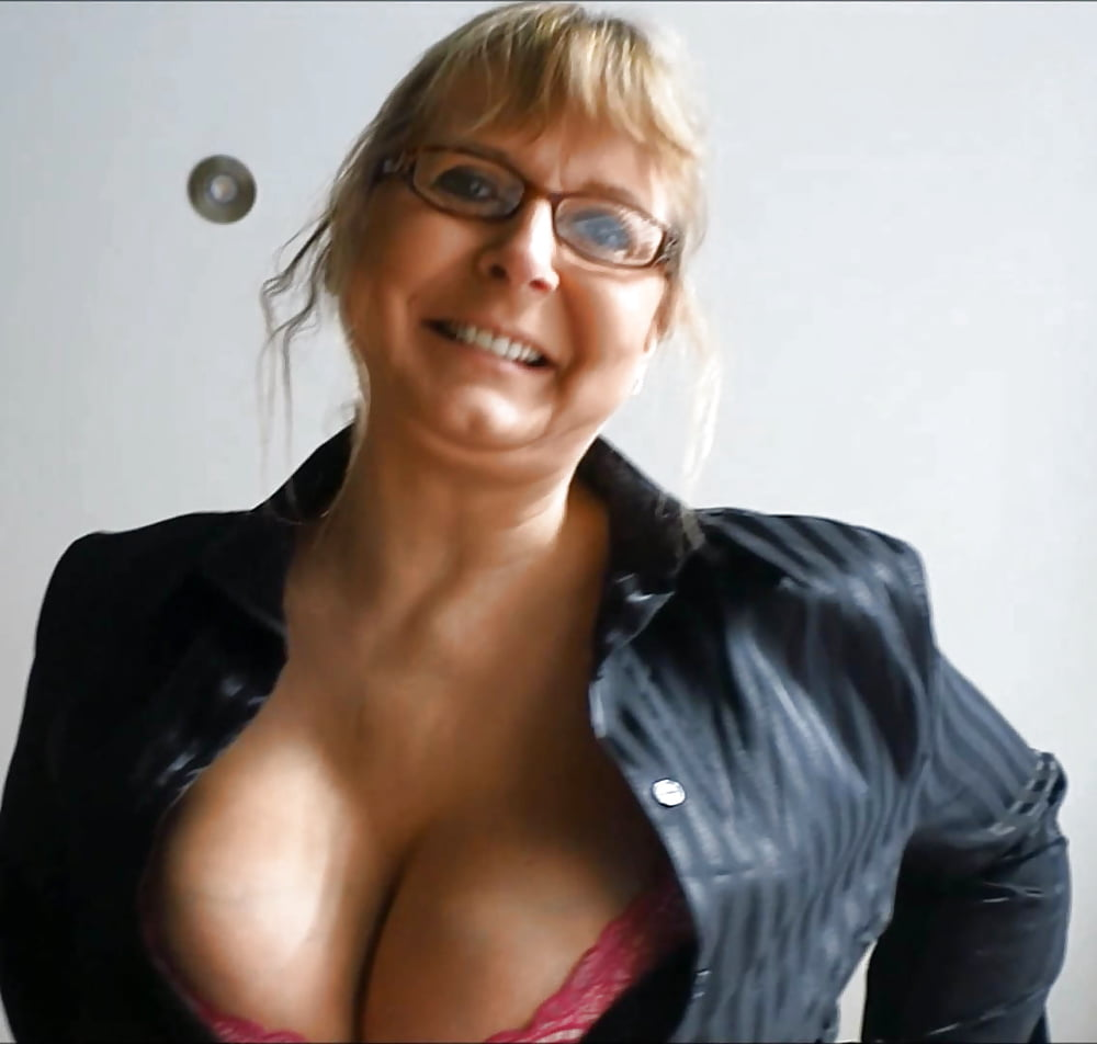 Sandra Busty And Skinny Casting Call