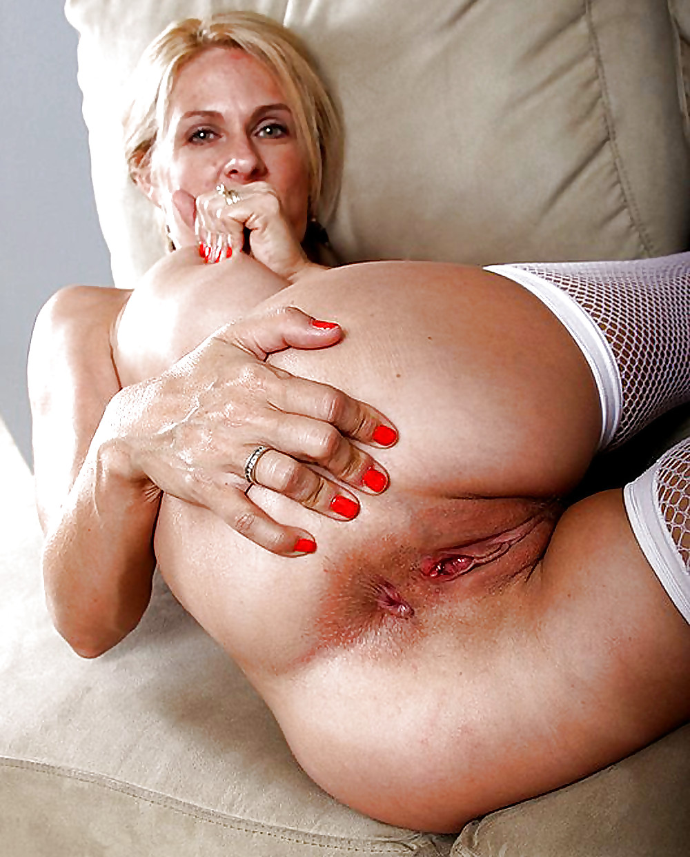 Annabel miller mature pussy