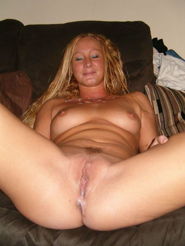 Wifes blonde pussy — photo 1