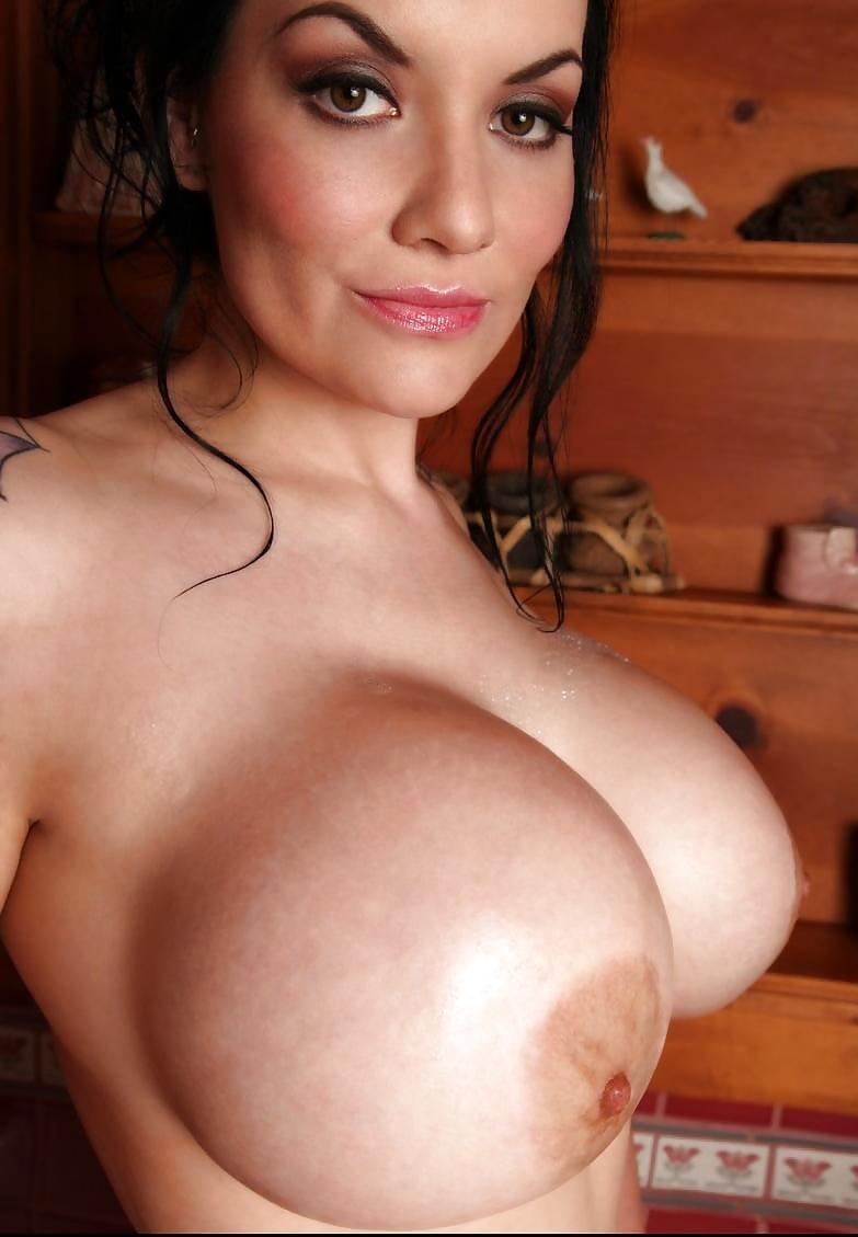 Big boobs babe dahlia dark