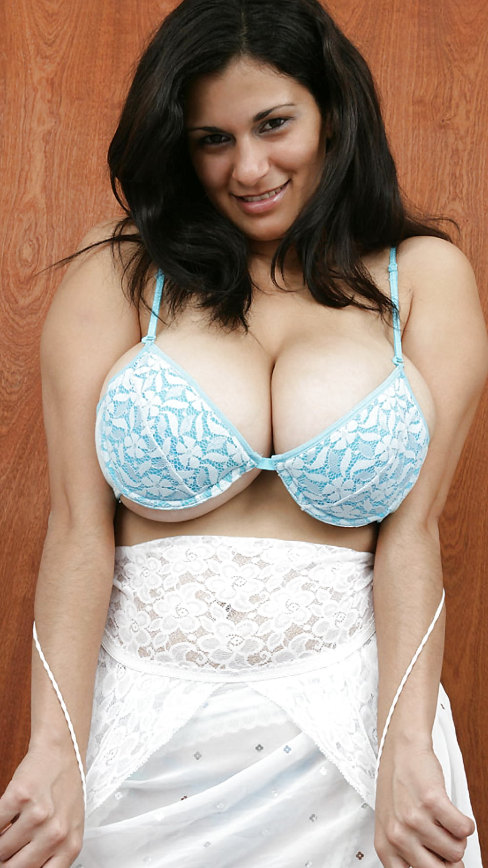 big-boobs-bra-movies-big-boob-nude-smart-girls