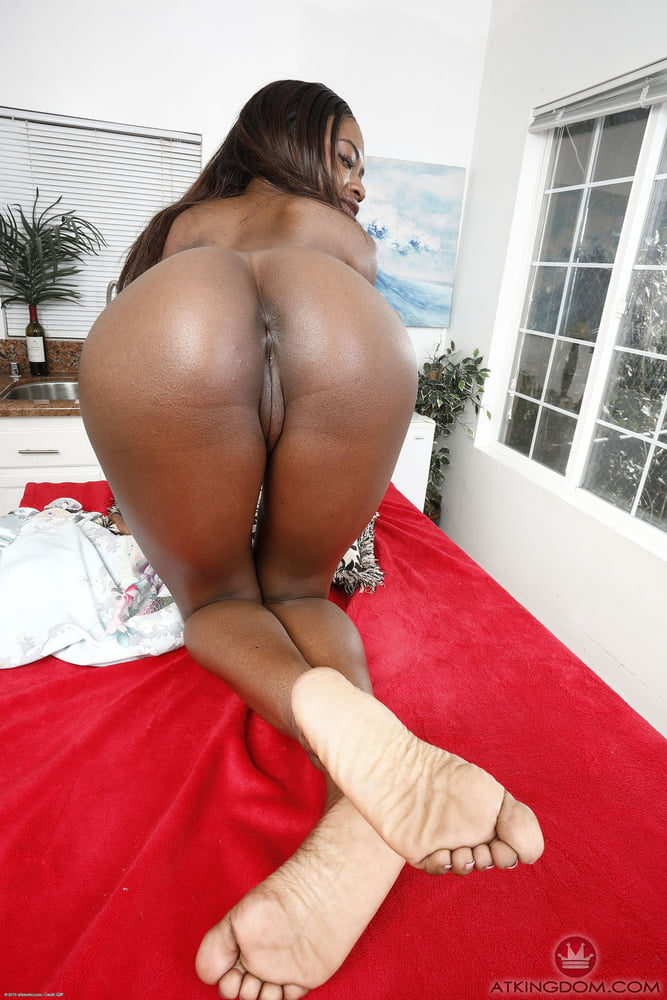 Black naked girls squirting