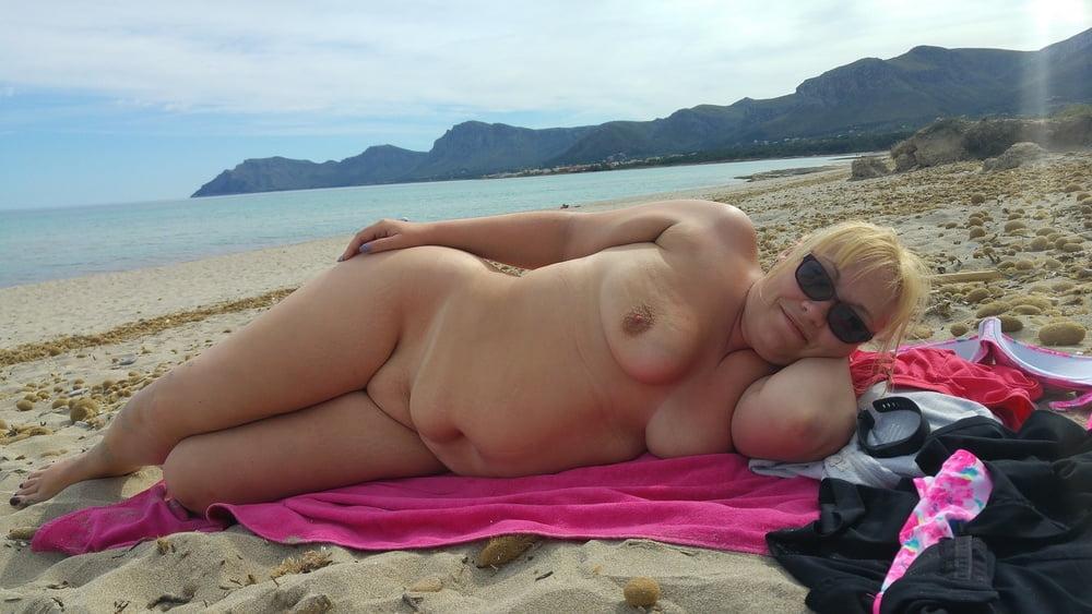 схватил видео толстенькие пышечки на пляже раз