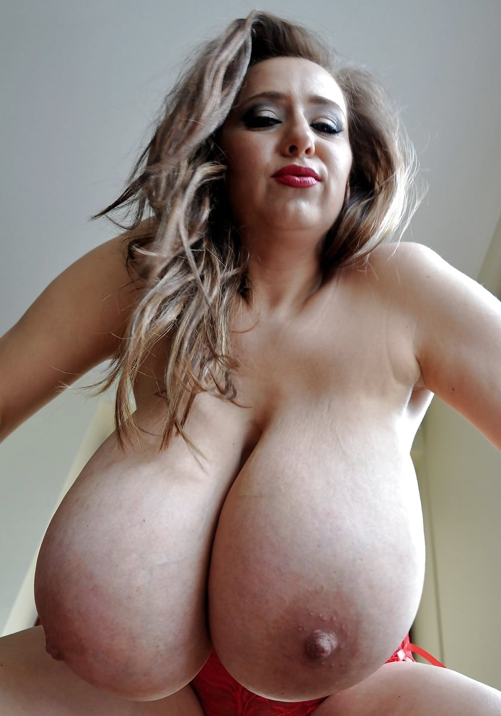Big women with huge tits