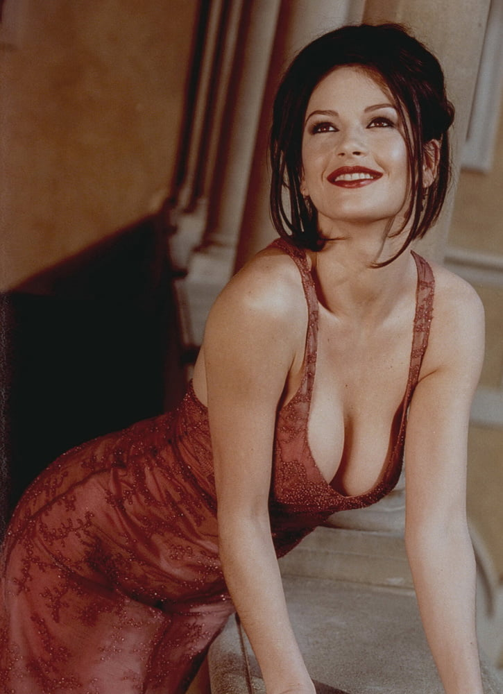 Nude virgin catherine zeta-jones side boob sex