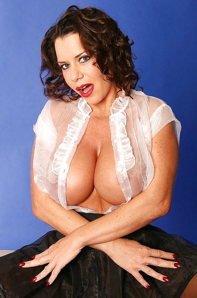 Busty milf in pantyhose-8728