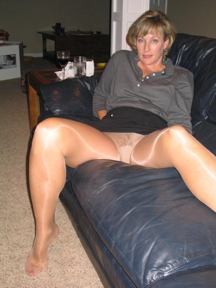 Amateur mature pantyhose mature