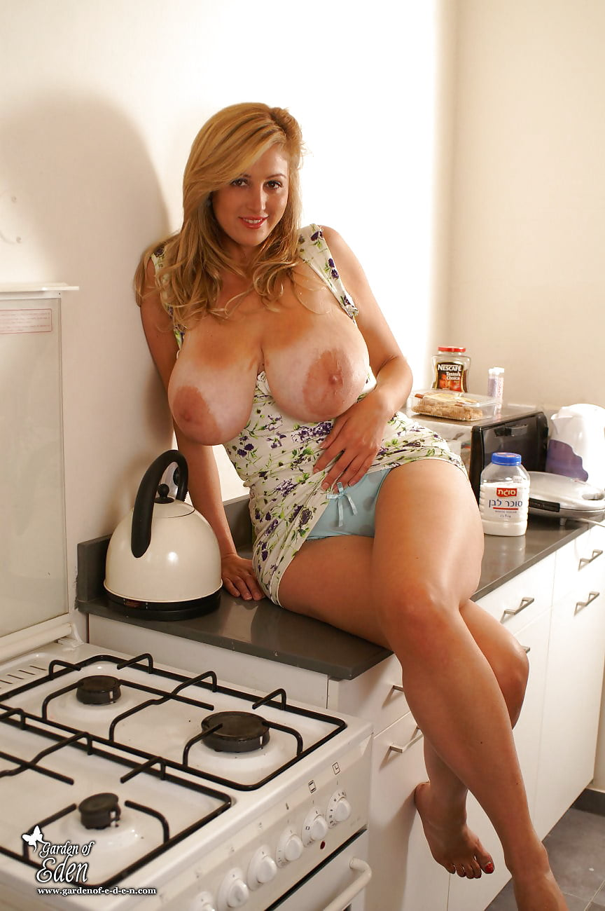 Big boobed housewives naked — pic 14
