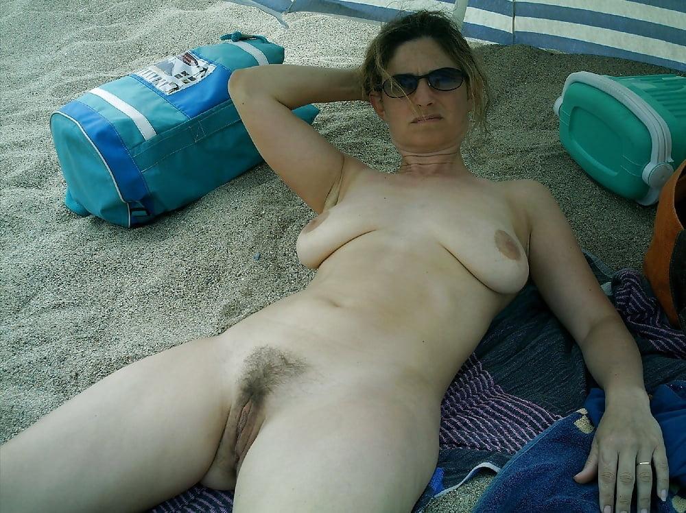 Sexy nude amature mature lesbian