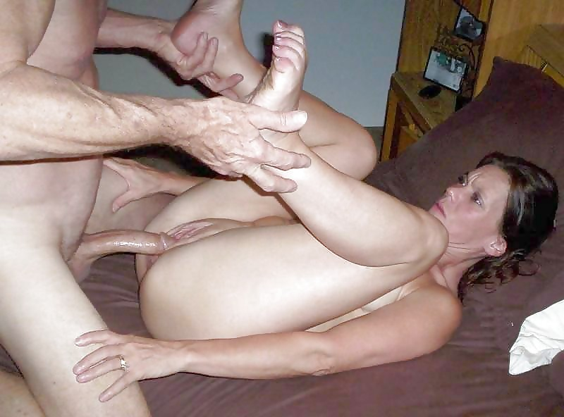 pictures-of-matures-fucking-strangers
