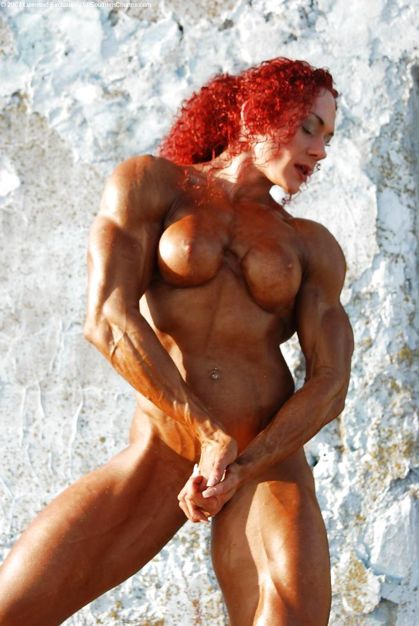 Body builder fucked female