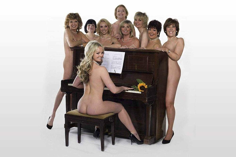 Calendar girls pals go nude to back brave friend battling breast cancer