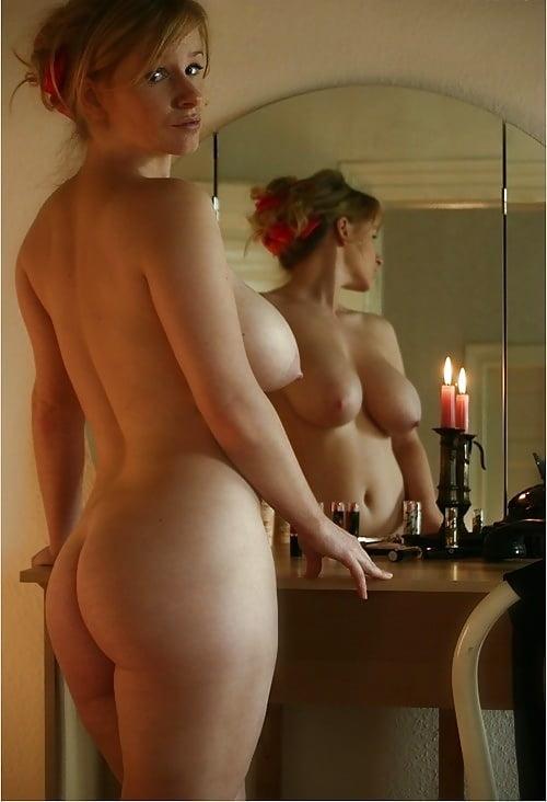 Natalia nude mirror
