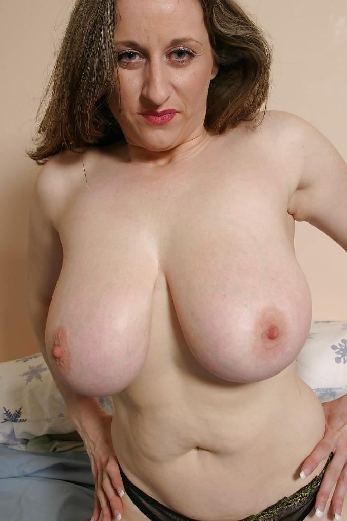 Large Natural Mature Breasts For Wednesday - 7 Pics -9281