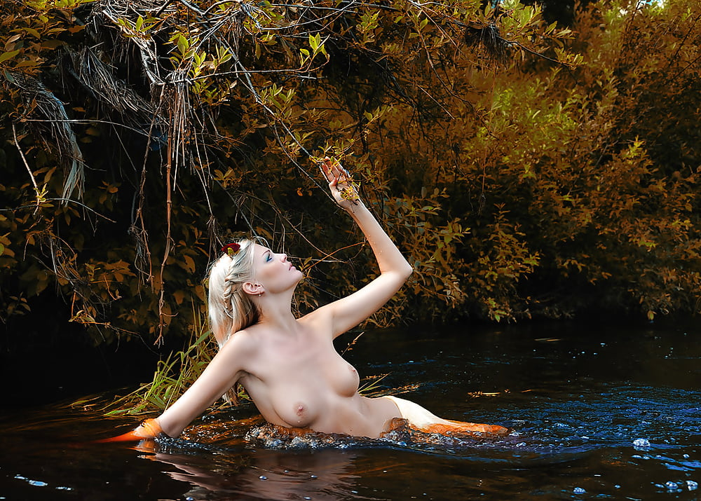 hot-wet-nude-nymphs