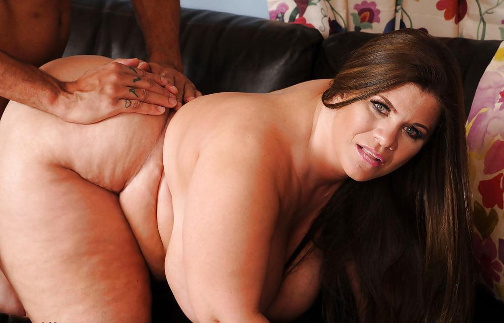 hayley-jane-free-porn-pics-nude-zahra-amirebrahimi