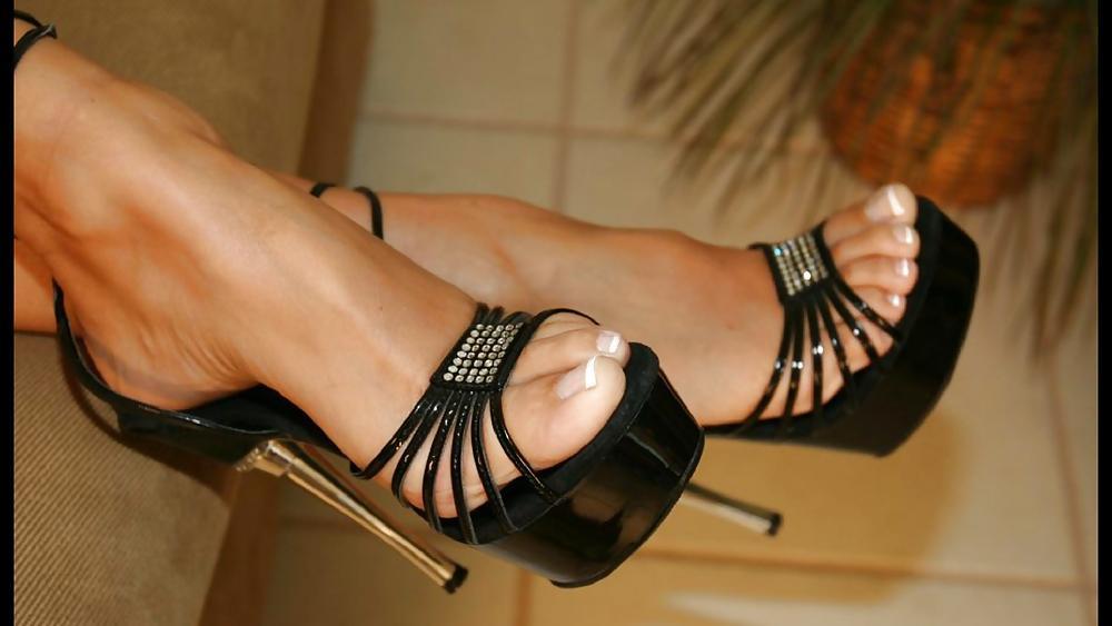 найти в москве девушку для фетиша ног - 1