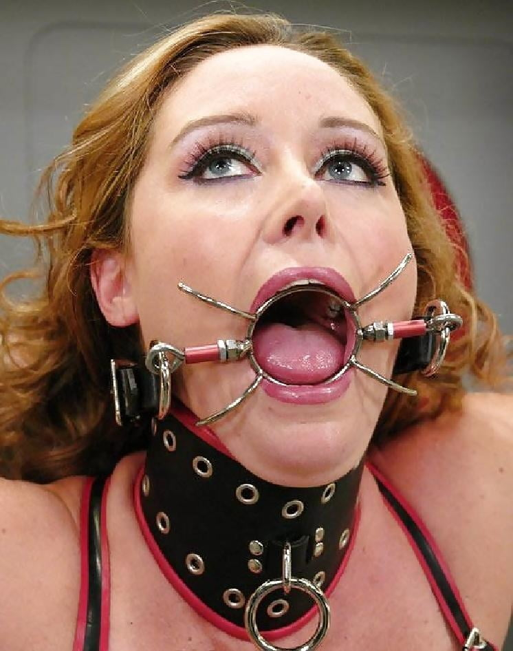 Open mouth gag deepthroat