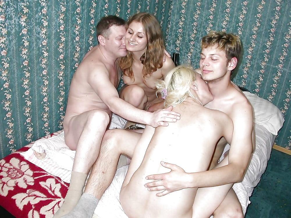 свингеры русские пары молодые сама