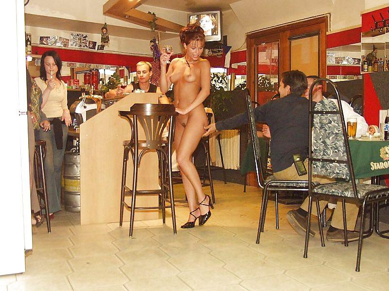 zee-cafe-nude-girl