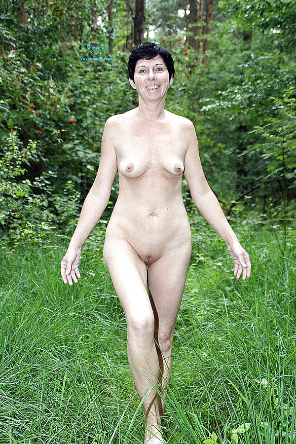 Mature Black Slut With Small Tits And Skinny Body Nude
