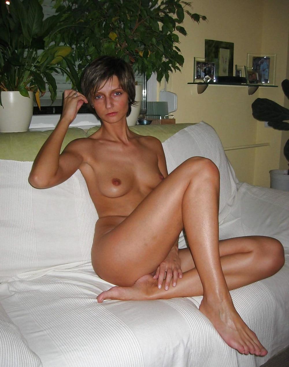 худые голые зрелые женщины встречалась неоднократно