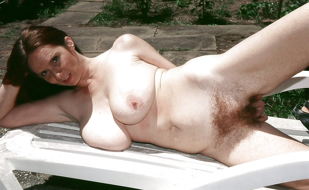 Big tits hairy pussy pictures and sexy busty babes