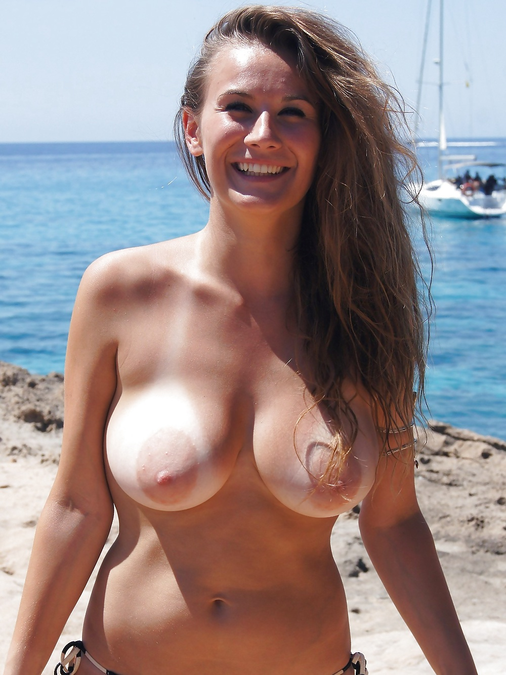 bare-tits-tan-lines-find-naked-images-of-young-girls