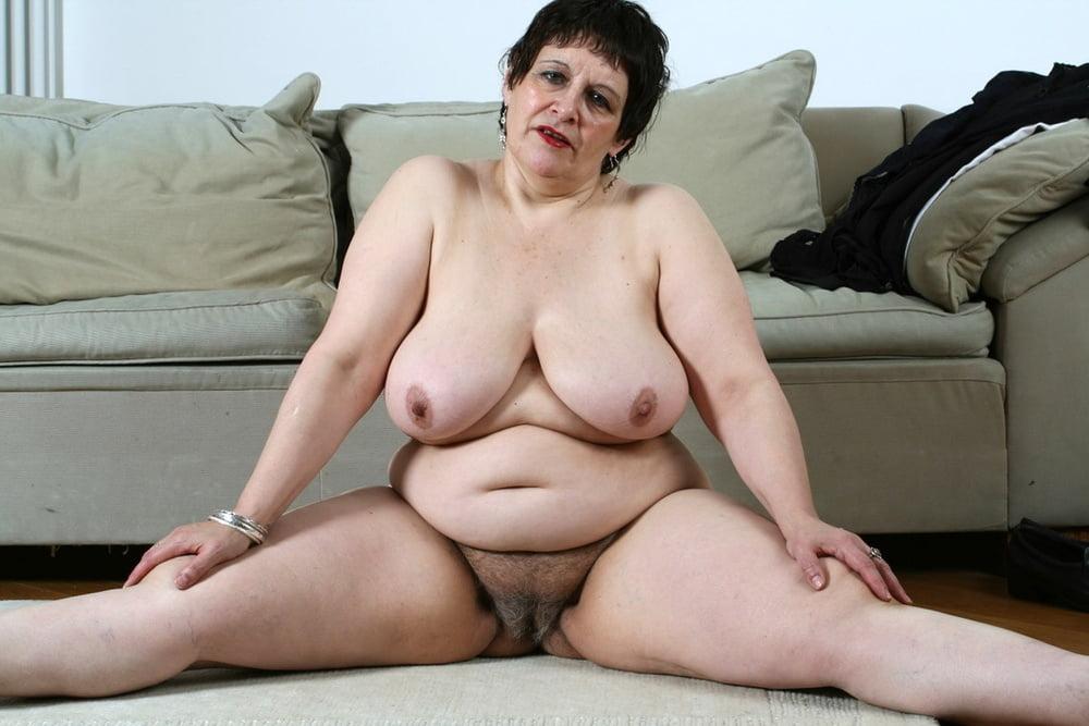 толстые старые голые женщины фото работе