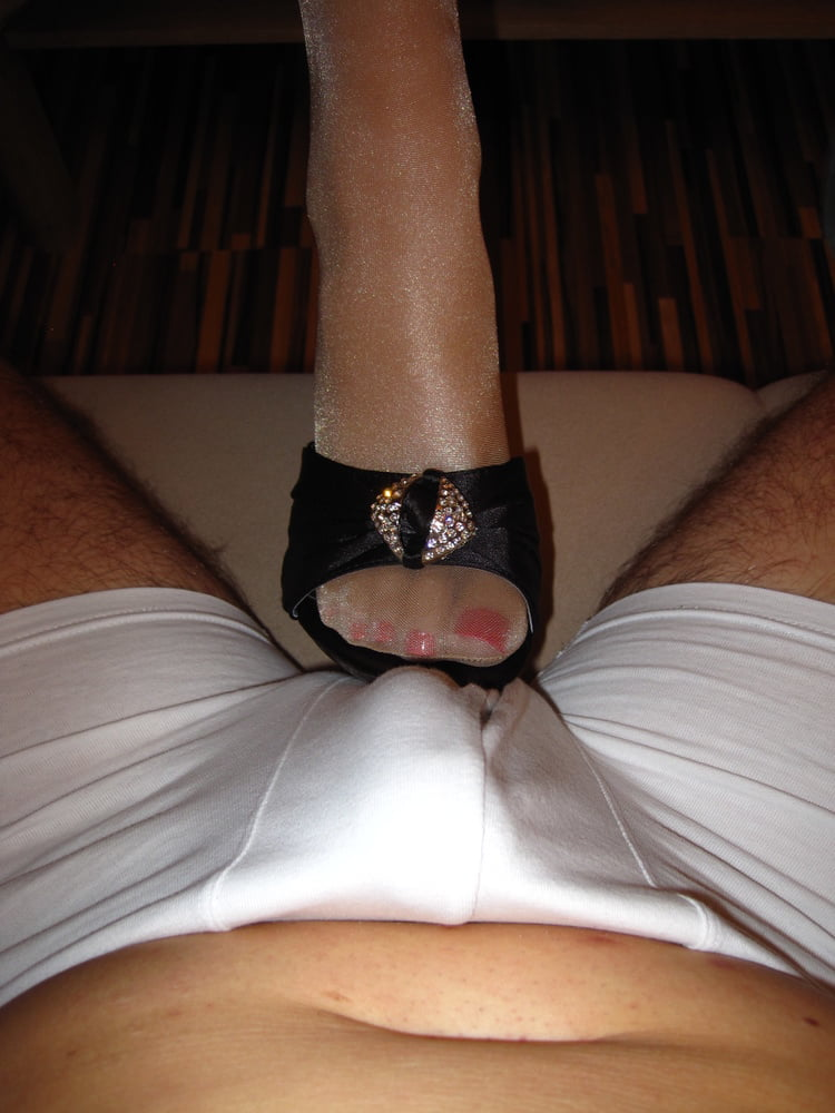 Shiny nylon footjob