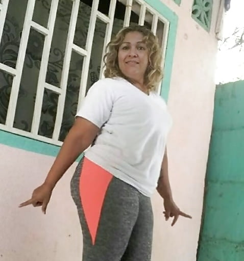 Anita gitana de 17 bailando semidesnuda guarra - 1 part 7