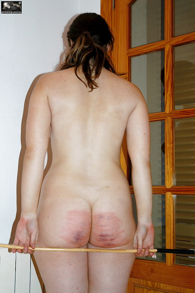 naked-women-being-caned