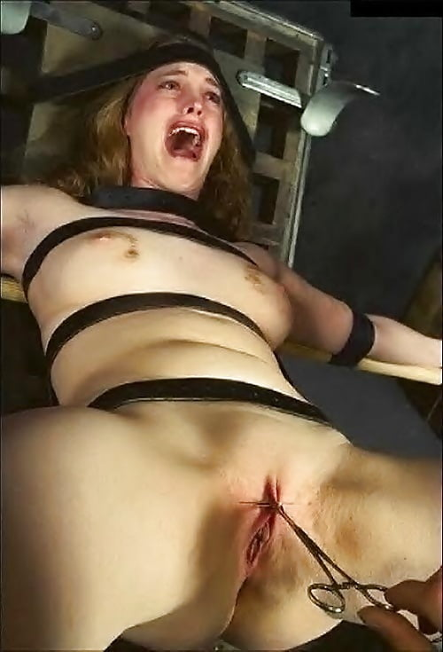 Stabbed in belly naked girls knife pics