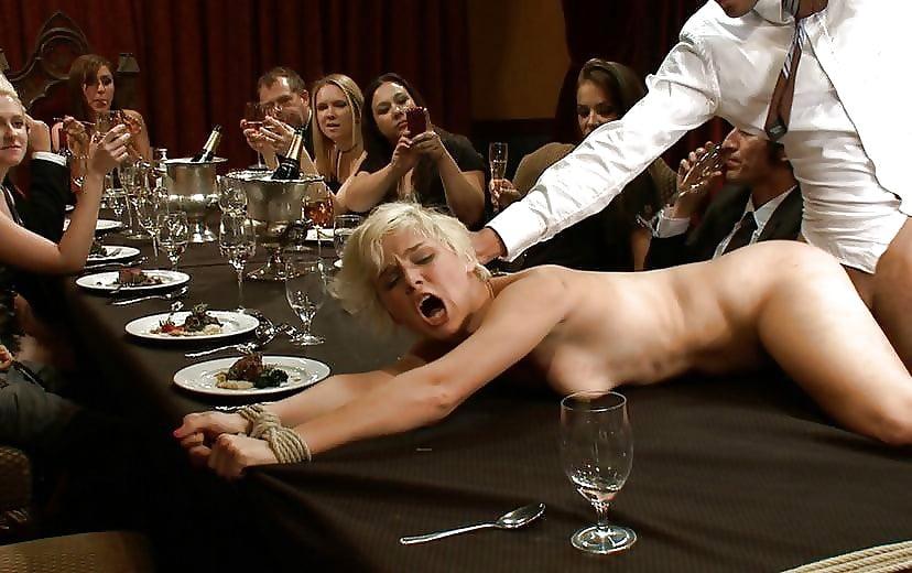 Секс в ресторане на столе, порно русских студентов скрытая камера за деньги