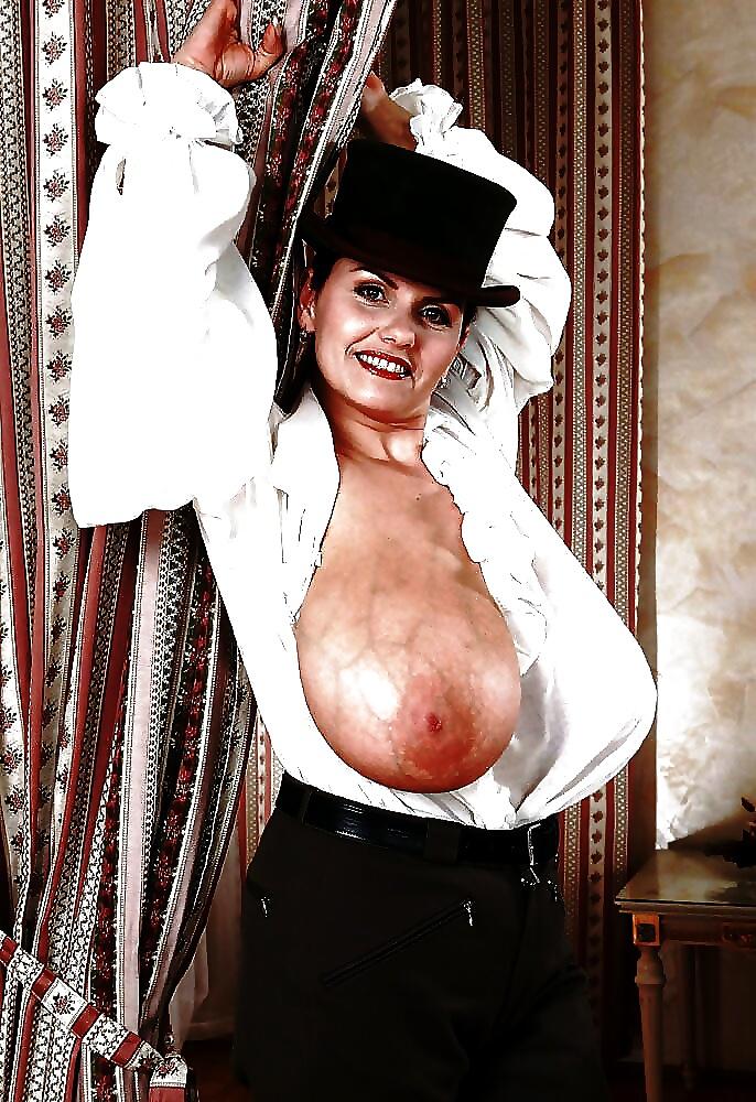 Hd busty nude women