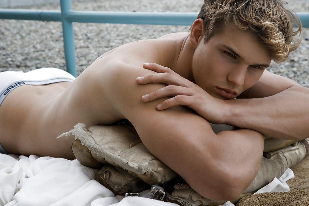 Hot sexy naked gay guys-2603
